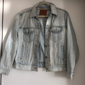 Levi's light wash Jean jacket